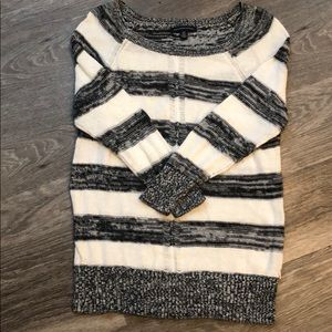 American Eagle Outfitters Gray & White Sweater Top